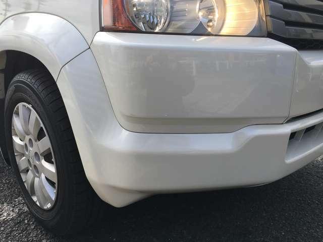 フロントバンパーに大きな傷もなく、綺麗なお車です!!