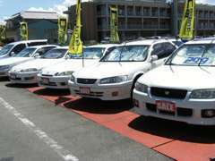 商用車から普通車まで取扱いあります。特に商用車はおまかせを!