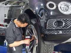輸入車専用診断機 フルフラットリフト ATFチャンジャー ワイヤレス空気圧測定器など高級車を整備する装備御座います。