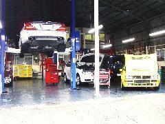 九州運輸局認証・自社整備工場も完備しております。