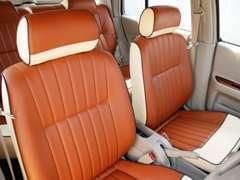 シートの色、張替え柄は自由自在。組み合わせ次第で無限大です。