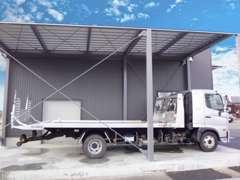積載車を完備していますので、もしもの時に駆けつけることも可能ですし、ご自宅まで運ぶことも可能です。