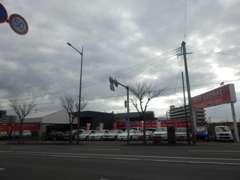 大宰府ICより20分、都市高速でお越しのお客様は大野城ランプより15分です。また、最寄の駅や空港にもお迎えに参ります!