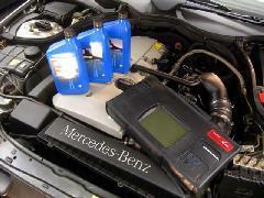 納車前には全車オイル交換致します!国産・外車共用専用テスター完備で当社では徹底したメンテナンスを行なっております!
