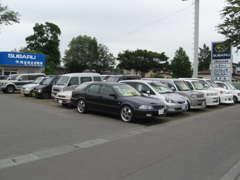 格安なお買得車から、人気の低燃費コンパクトカー、軽カー、ミニバンや1BOXカーなど取扱車種多数ございます☆
