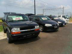 SUVやミニバンなど、使い勝手の良いお車も多数展示しております。