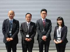 ようこそ、クリーンカー新潟東へ。元気なスタッフが明るい笑顔でお出迎えいたします!