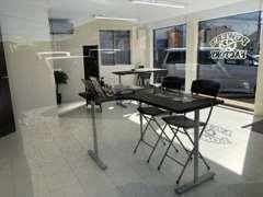 改装したてでとても綺麗な商談スペースです!