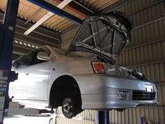 当店提携の運輸局長認証整備工場で経験豊富で熟練した整備士が、あなたのお車をしっかりと整備、サポート致します!!