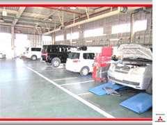 指定工場完備、三菱認定中古車は、最大100項目の納車前点検など10の安心をご提供します。詳しくは【保証】をご覧下さい!