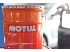 高性能MOTULエンジンオイルを各種取り揃えております。