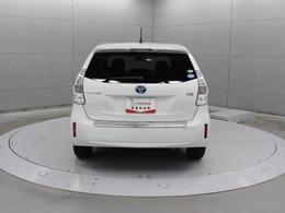 プリウスの特長である低燃費や環境性能、新技術がもたらす先進性を継承しつつ、広い室内空間を備えています。