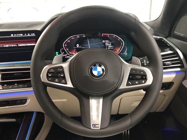 アダプティブクルーズコントロールや車線維持支援機能などを組み合わせた『ドライビングアシストプロフェッショナル』は全車に標準装備となっております。