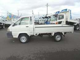 積載1000kg-1800DXシングル4WD