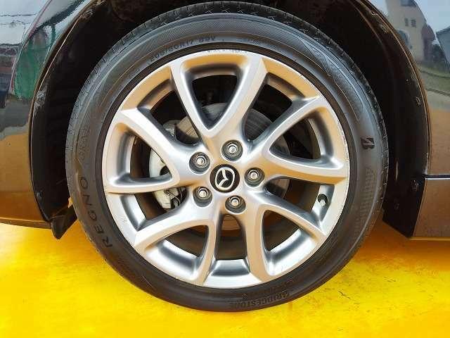 純正17インチアルミです!新品タイヤをご希望の方は格安でご提供が可能です!是非お申し付け下さい!!