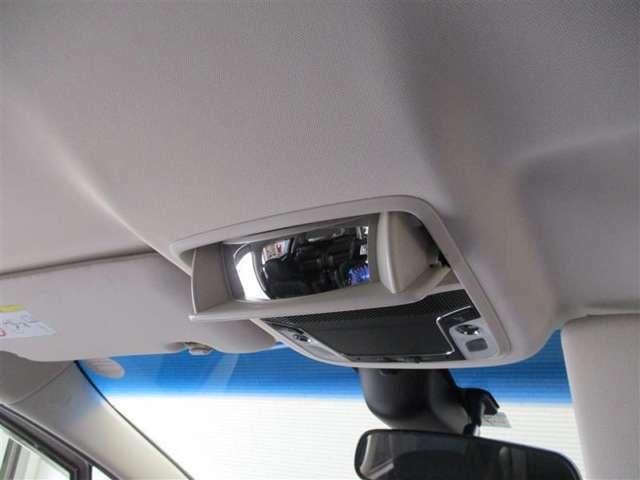 後席確認ミラーついてます♪運転席・助手席から振り返らずに後席の様子を確認できます♪車内でのコミュニケーションもとりやすくなりますね