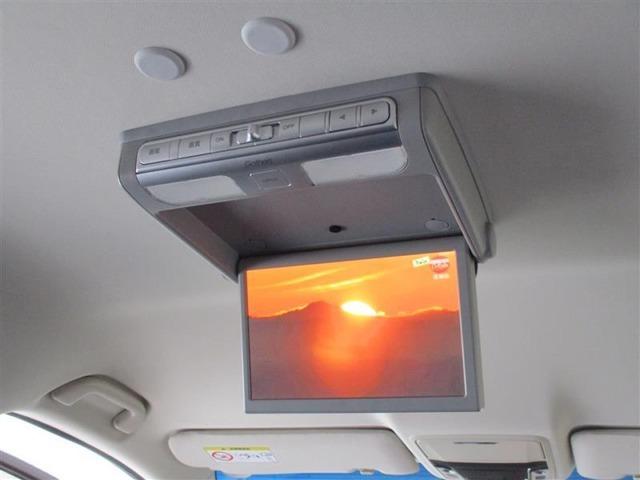 楽しいドライブ中でも、渋滞中でも後席の同乗者を退屈させません☆後席モニター装備☆目的地までテンション↑↑で行きましょ~♪