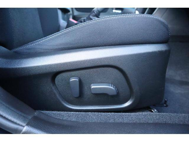 パワーシートの良い所は細かい調整が可能ですので、最適なポジションで快適ドライブを。
