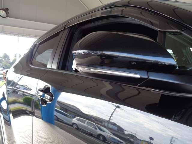 H29年式 C-HR HYBRID S ブラック入荷致しました!トヨタセーフティセンス・F/S/Rスポイラー・純正ナビ・TV・Bカメラ・レーダークルコン・革巻ステアなど充実装備の1台です!