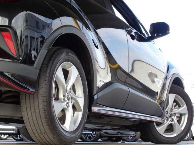 仕上がりを追求した最上級品質のガラスコーティング!コーティング専門スタッフが施工致します。これまでの豊富な経験を生かし、お客様の大切なお車をきれいに磨き上げます。