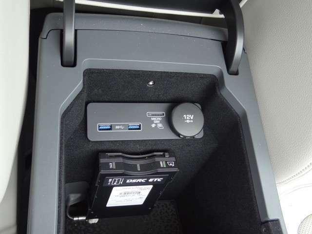 ETCとデジタル音源入力USB3.0も2ポートあり 電源供給も可能です。