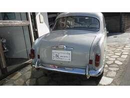 1957年の右ハンドルは約20000台の中の3000台