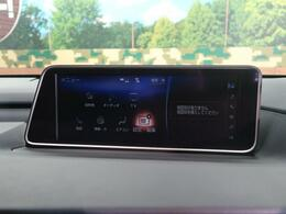 純正SDナビを装備!【DVDや地デジ・フルセグTVの視聴、CDからの音楽録音などの機能が有ります♪】
