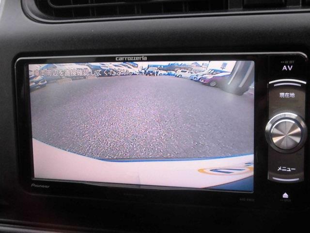 車庫入れの力強い味方のバックカメラも付いています。