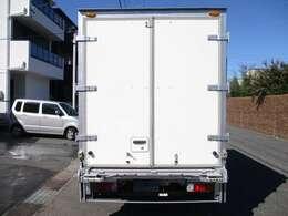荷箱トヨタ車体UT08A030075 スライドリフトスマーティ 垂直パワーゲート600キロ 奥行き111(ストッパーまで102)x幅162センチ ラッシングレール2段 内外装キレイ
