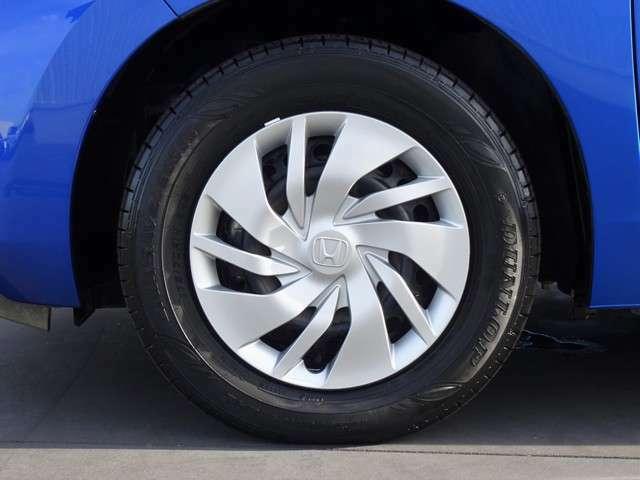 タイヤサイズは175/70R/14になります。