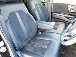 軽自動車とは思えぬ内装のクオリティ!是非とも実車をご覧にお越しくださいませ。