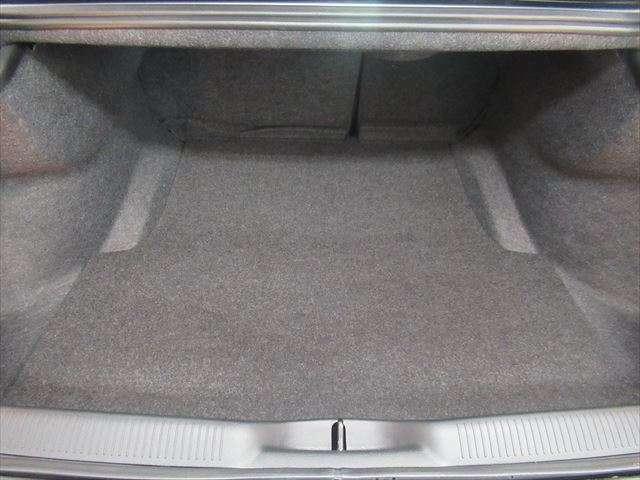 トランクは開口部が広く、使い勝手がよいです。