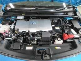 PHV車はモーターとエンジンの2つの動力で駆動し低燃費を実現。モーターはエンジンの余剰エネルギーを回収します!排出するCO2も同クラスガソリン車に比べ大幅に低減