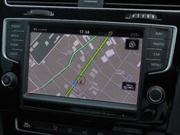 Volkswagen純正インフォテイメントシステムDiscover Pro搭載。ナビ、オーディオ&ビジュアル、ハンズフリーフォン、フルセグTVそして車両情報などを集約。8インチ大型ディスプレイですべて