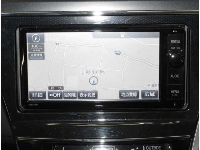 ナビは純正品。フルセグテレビ・CD・DVD・Bluetooth・SDオーディオ・ハンズフリー電話対応です。