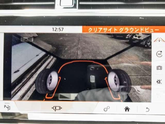フロント下180度の視界をモニターに映し出す「ClearSightグラウンドビュー」は悪路走行時に便利な機能
