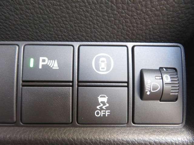 【コーナーセンサー】障害物との距離が近づくにつれてドライバーに警告音でお知らせ◎快適ドライブをサポートしてくれる安心装備です★★★