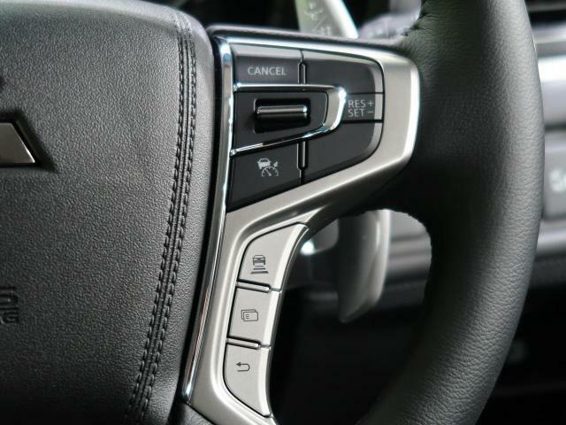 ☆レーダークルーズコントロール(追従型)☆高速道路で便利な自動で速度を保つクルーズコントロールが、衝突軽減システムと連携し、前方の車両を感知して車間を保つように速度調節してくれます!!