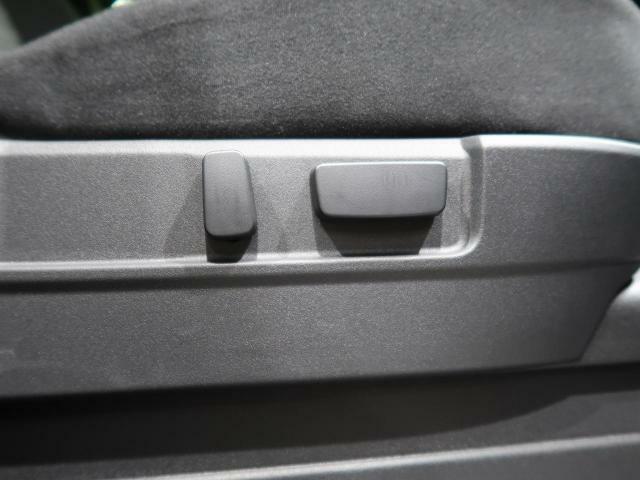 ☆パワーシート☆細かい調整もスイッチ一つ、とても便利なパワーシートが付いています。