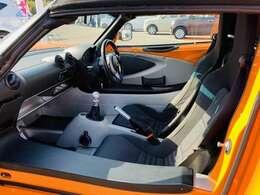 輸入車(あんぜん1カ月保証)万が一の故障した場合も、無料で修理が受けられます。●全国のガリバー店舗で使用できる保証です。