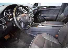 AMGエアロ&サイドランニングボード・AMG21インチ5ツインスポークアルミホイール・エアマチックサス・インテリジェントライトシステム・自動リアゲート・パークトロニックセンサー