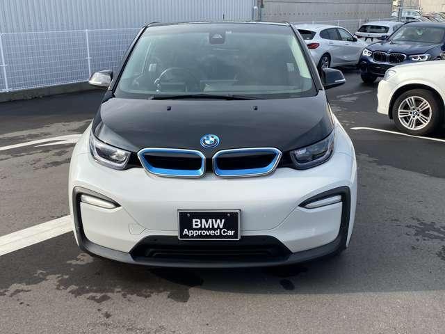 電気だけで200キロメートルは走行可能です。ガソリンタンクもついていて安心です。