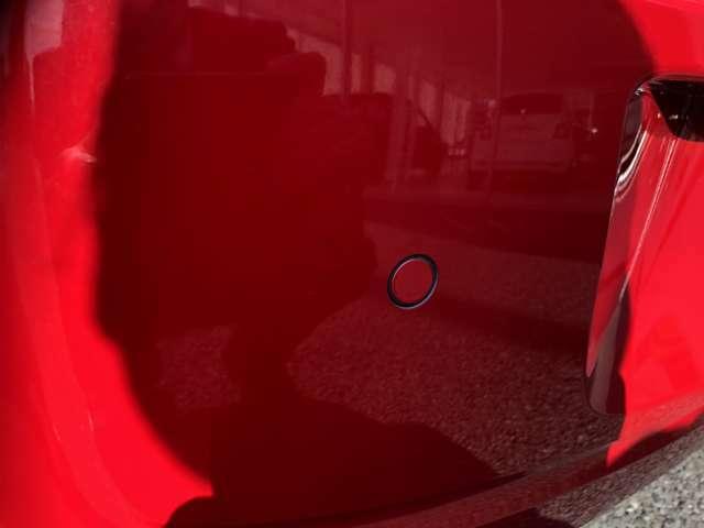 駐車時に障害物の接近を音で知らせてくれるバックソナーを装備!