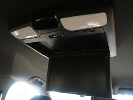 ★【フリップダウンモニター】後席の方も、快適にドライブをお楽しみいただけるリアモニターを装備しております☆