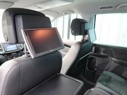 ●後部座席モニター搭載しております。TVなどお楽しみいただくことが可能です。