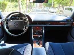 全長は502cmとなりSELより14cm短く、ドライバーズカーとしての特性がより強くなりました。