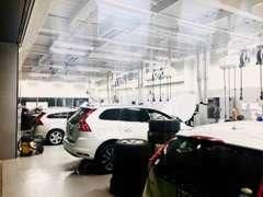 ご購入後も自社整備工場を併設していますのでアフターサービスも安心です。 車検・整備・純正アフターパーツ等ご相談ください!
