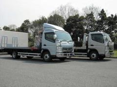 ファントムでは積載車も2台完備しています。