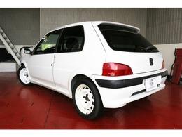 是非、車好きの方に乗っていただきたいです。ドイツ製EIBACHダウンサス、BILSTEIN ダンパー、タイヤPOTENZA RE01、ラリー専用ホイールと拘りの足回りです。