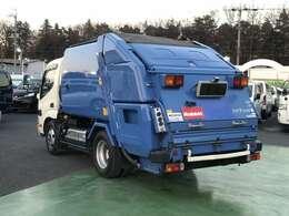 平成25年式 デュトロHV 4.0Dターボ プレス式パッカー車 4.1立米 2t積